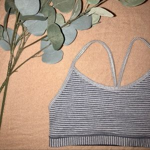 Luluemon Flow Y nulu sports bra